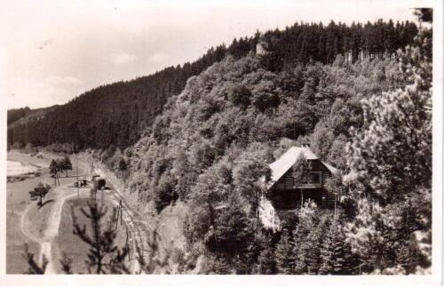 Posázaví chata u Hradu Chřenovice