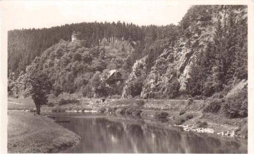 Posázaví hrad Chřenovice